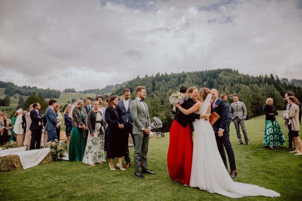 hochzeitsfotograf suedtirol italien corvara berghochzeit hochzeitsfotos destinationwedding golfplatz la perla alta badia