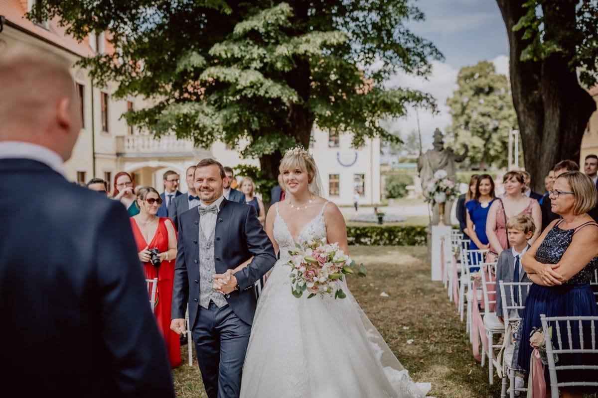 Einzug Braut Freie Trauung Schloss Proschwitz