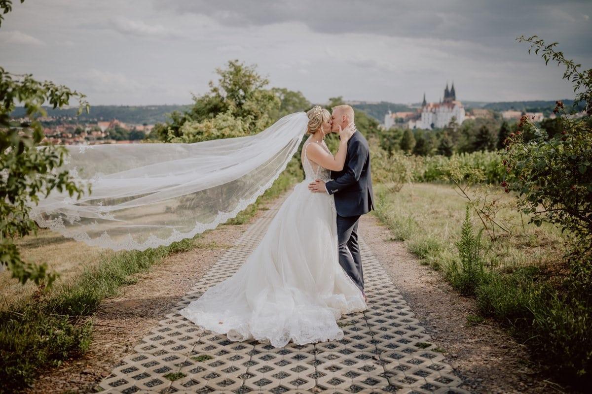 Hochzeitsfotos Brautpaar Schloss Weingut Proschwitz Dresden Meißen
