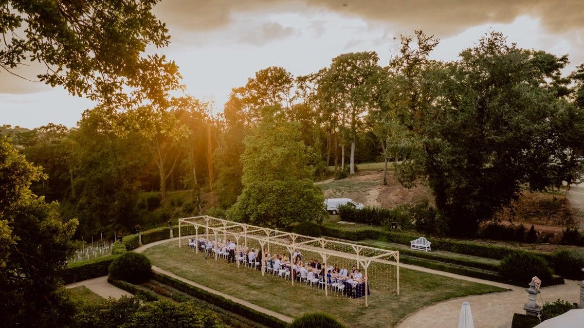Hochzeitsfotos Drohne Meißen Schloss Proschwitz Dinner im Freien
