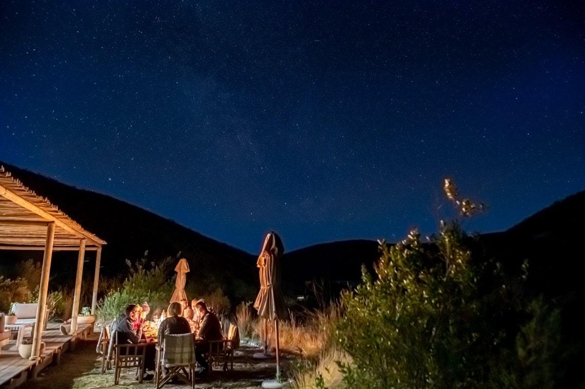 Hochzeitsdinner unter Sternenhimmel Ecocamp Gondwana