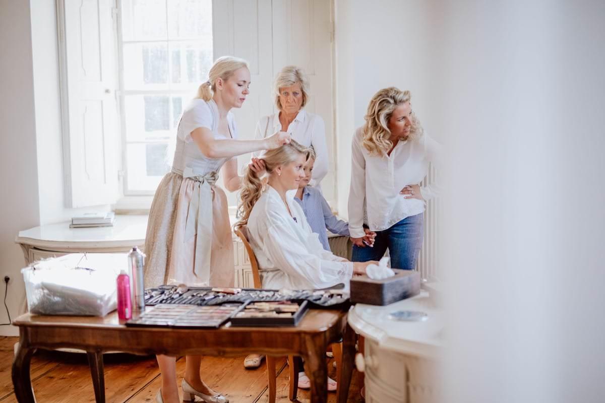 Getting Ready Braut Hochzeitsfotograf