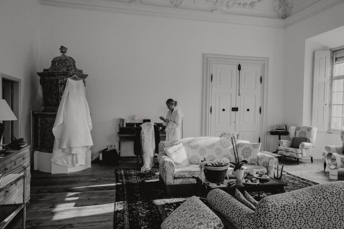 Hochzeitsreportage emotional Braut Getting Ready Salzburg