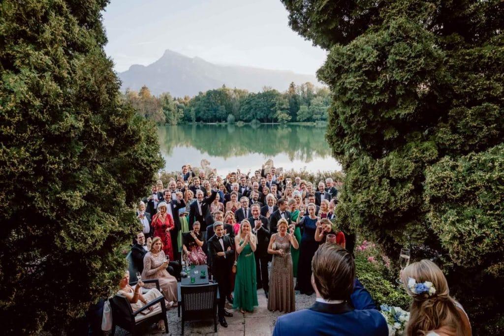 Hochzeitsfotograf Hotel Schloss Leopoldskron Salzburg Gruppenfoto Hochzeitsbilder